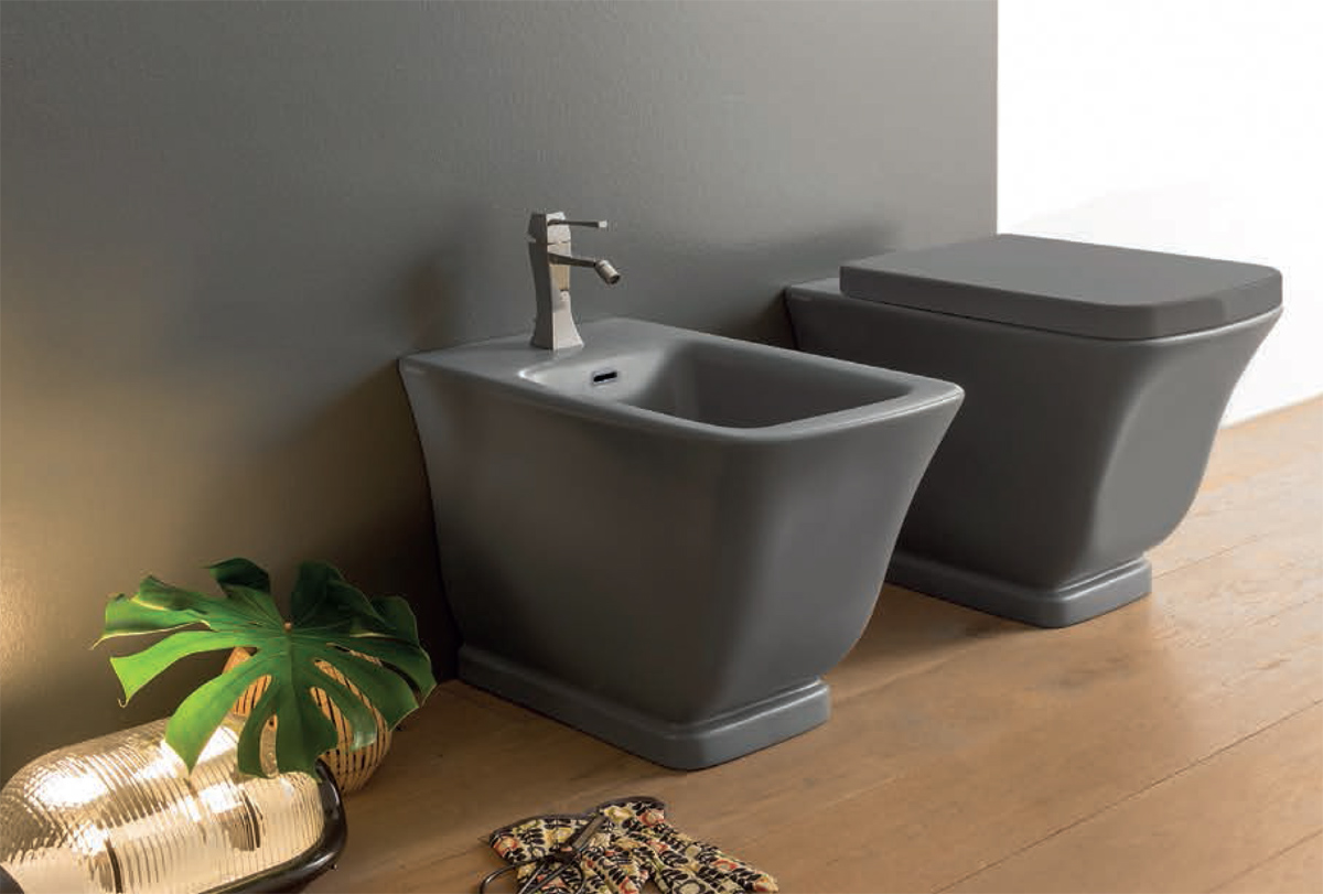 Ceramica Globo. Vaso e bidet a terra. Floor mounted WC and bidet. 56.36. RELAIS